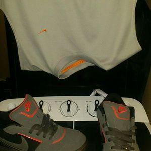 Nike sleeveless dri-fit top